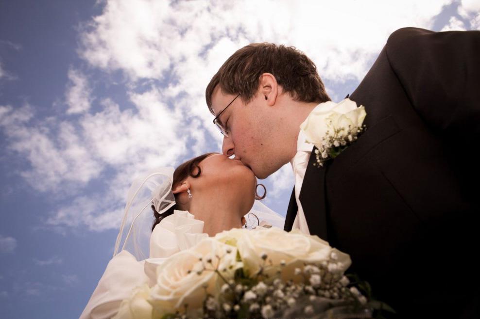 Hochzeit, Weddingday, Rahden, Bahnhof, Güterbahnhof, Park, Video, Fotografie, Bräutigam, Braut, Ringtausch, Kuss, Brautstrauß