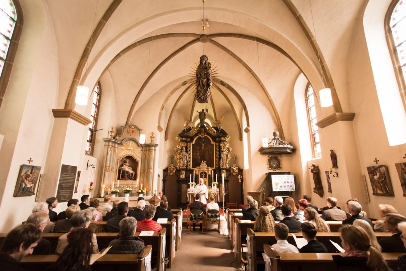Wasserschloß, Tatenhausen, Bielefeld, Wedding-Day, Halle, Westfalen, Fotoshooting, Kirche, Kapelle, Wetter, Sonnig, Warm,
